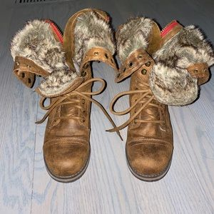 ❌❌SOLD❌❌Madden Girl Brown Fur Interior Boots